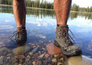 sepatu hiking waterproof untuk pria