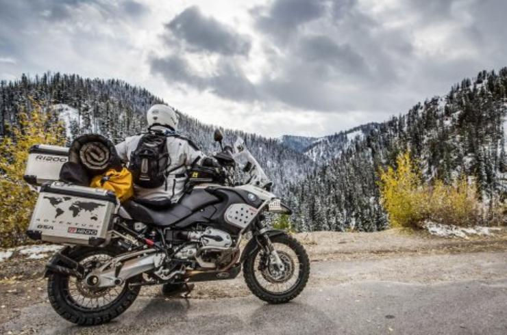 travelling dengan sepeda motor